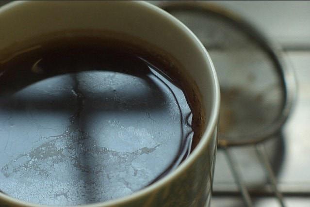 Phân biệt giữa bọt trà, váng trà và dầu trà 2