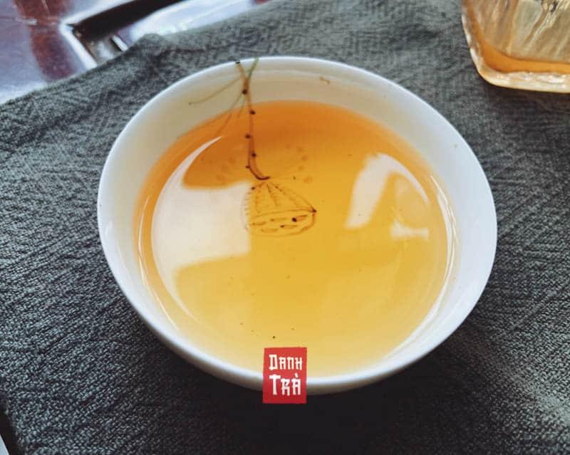 hồng trà, trà đen. tách trà