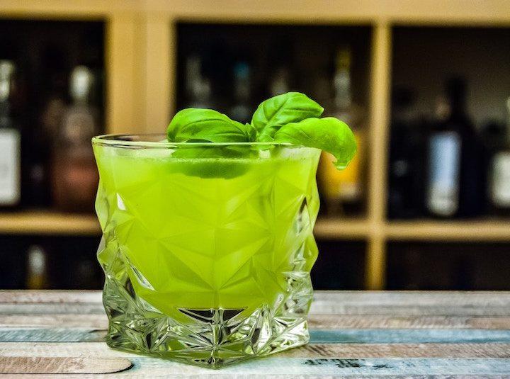 Uống trà xanh có bị vàng răng?