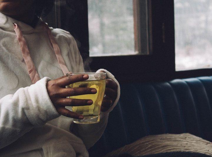 Tại sao uống trà lại bị xót ruột? Nguyên nhân và cách phòng ngừa