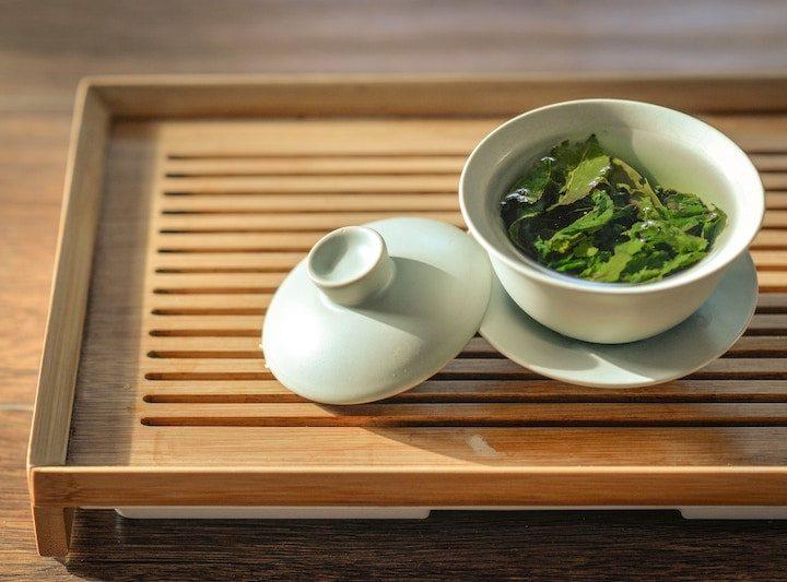 Bạn nên uống bao nhiêu trà xanh mỗi ngày?